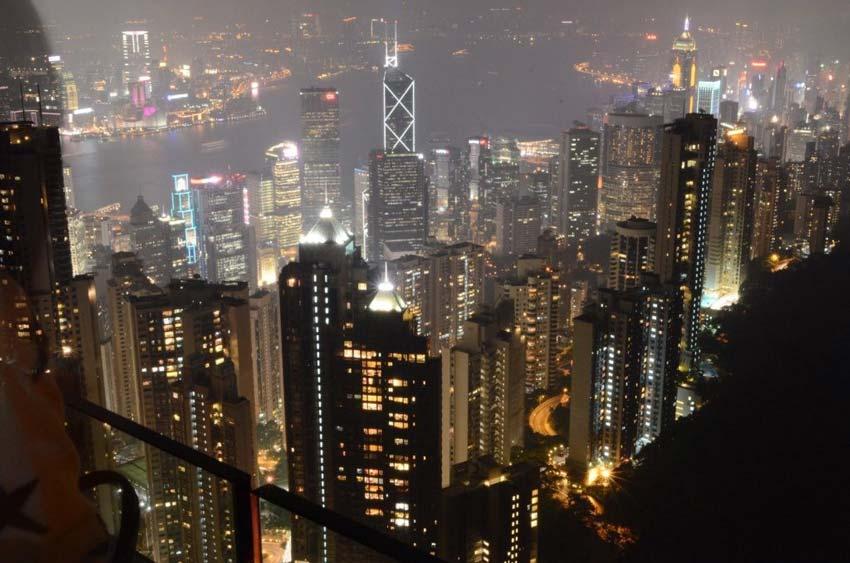 Пик Виктория в Гонконге: экстремальный трамвай, шикарные панорамы и Брюс Ли